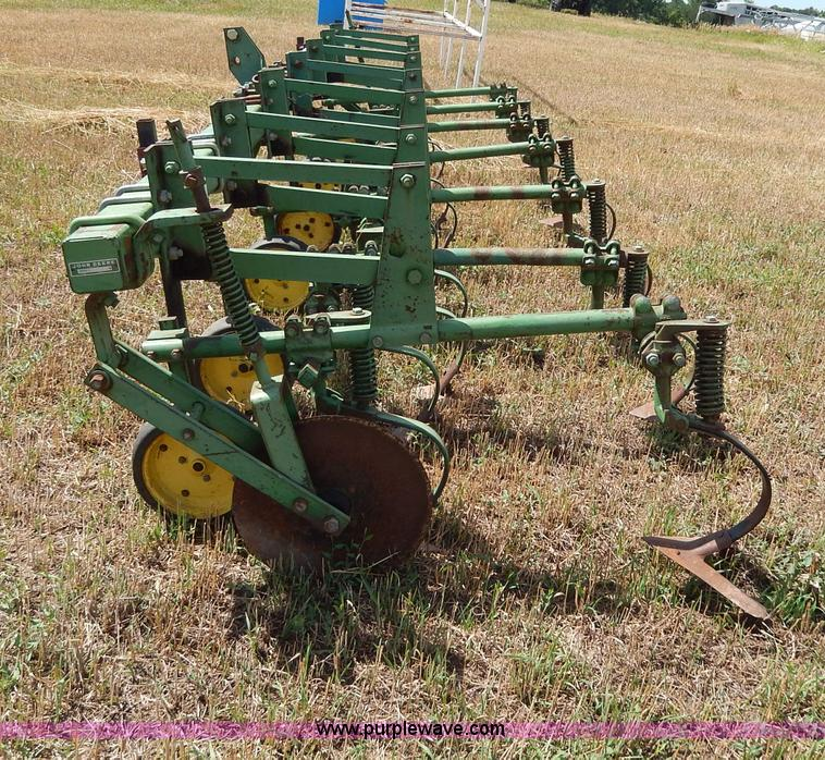 John Deere M field cultivator | no-reserve auction on ...