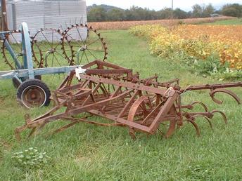 John Deere Van Brunt CC Cultivator - TractorShed.com