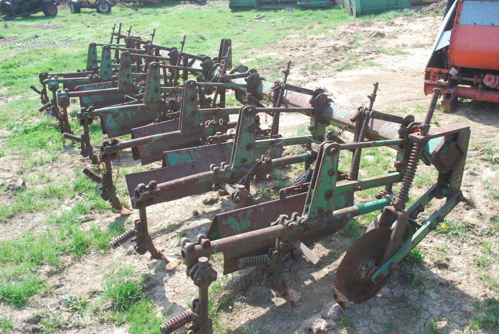 John Deere Row Crop Cultivator 6 Row Good Shovels 3 Point ...