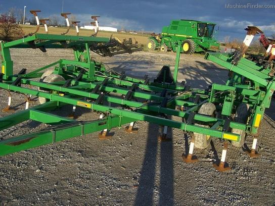 John Deere 960 Tillage - John Deere MachineFinder
