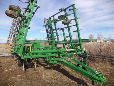 2013 John Deere 2210 Field Cultivator - Marlette, MI ...