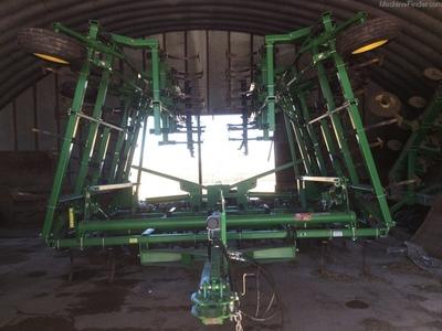 2013 John Deere 2210 Field Cultivator - Mankato, MN ...