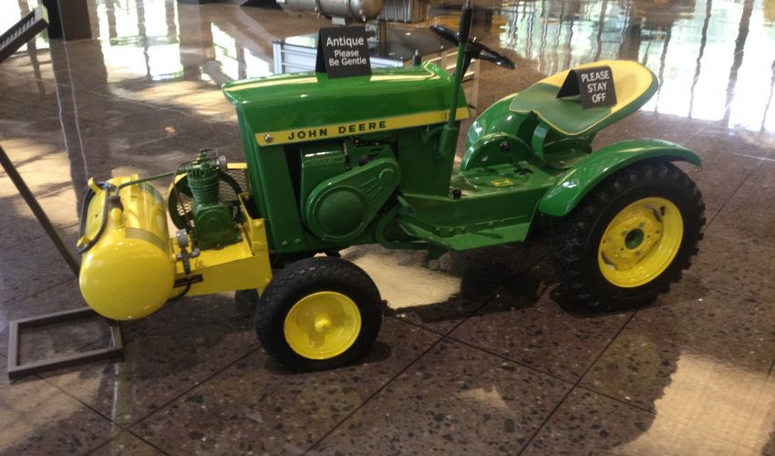 John Deere 110 Specs and data