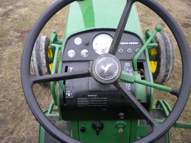 John Deere JD 2520 tractor for sale