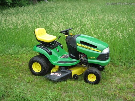 John Deere LA105 Lawn & Garden and Commercial Mowing ...