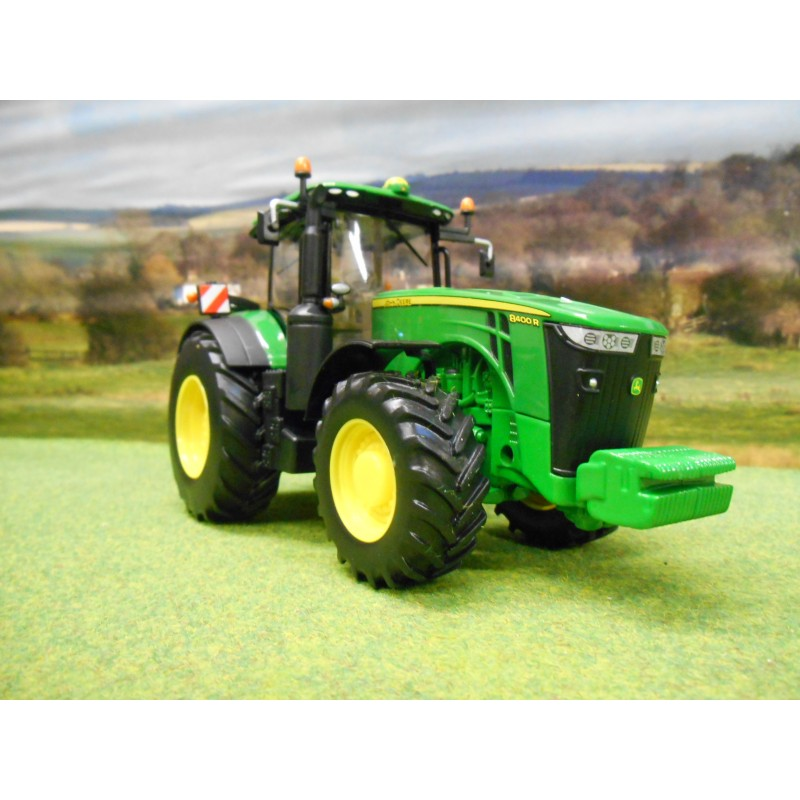 BRITAINS 1:32 JOHN DEERE 8400R 4WD TRACTOR - One32 Farm ...