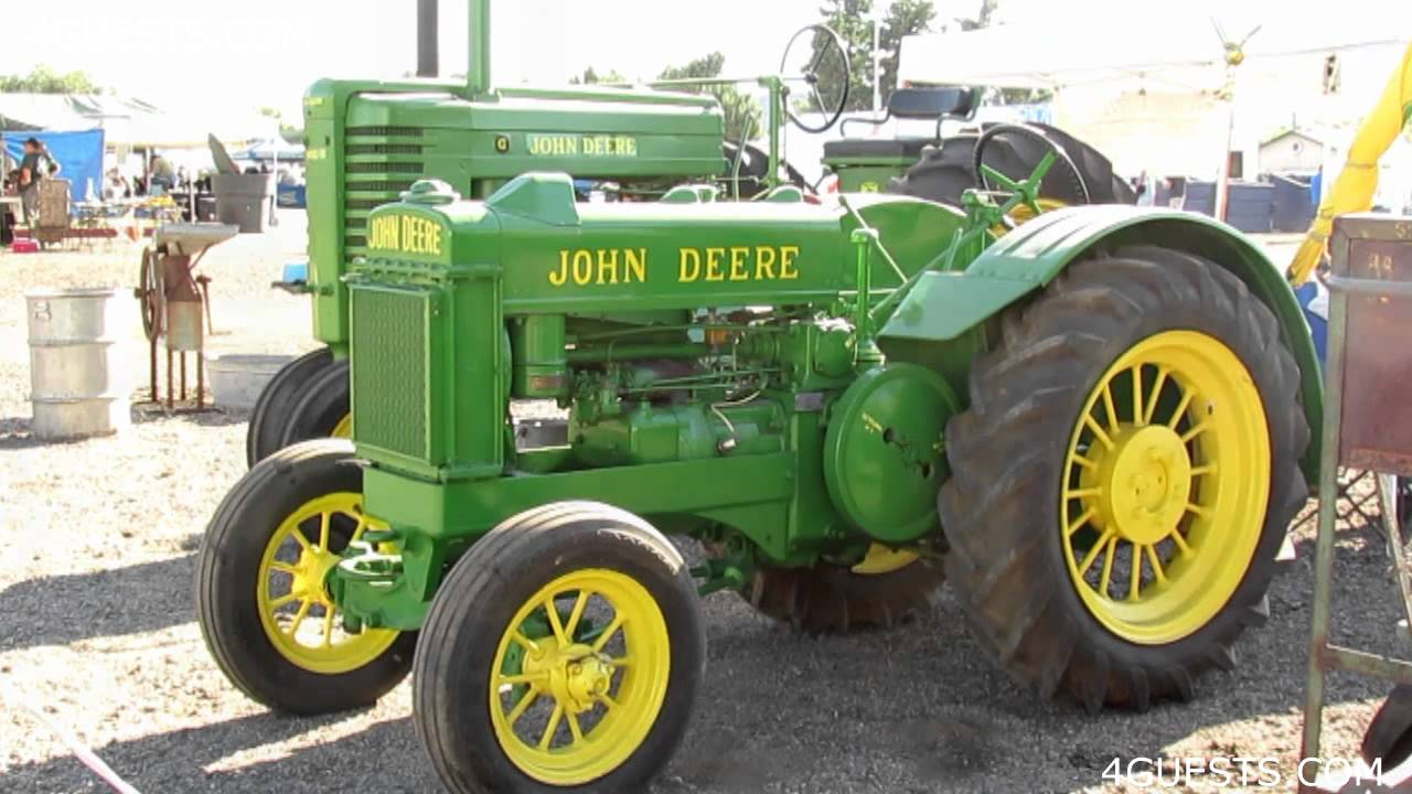 ANTIQUE JOHN DEERE TRACTORS - YouTube