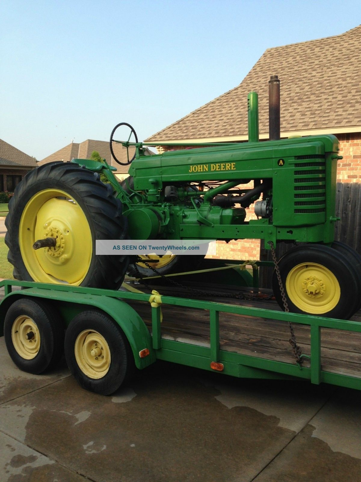 John Deere Antique Tractor 1946 A