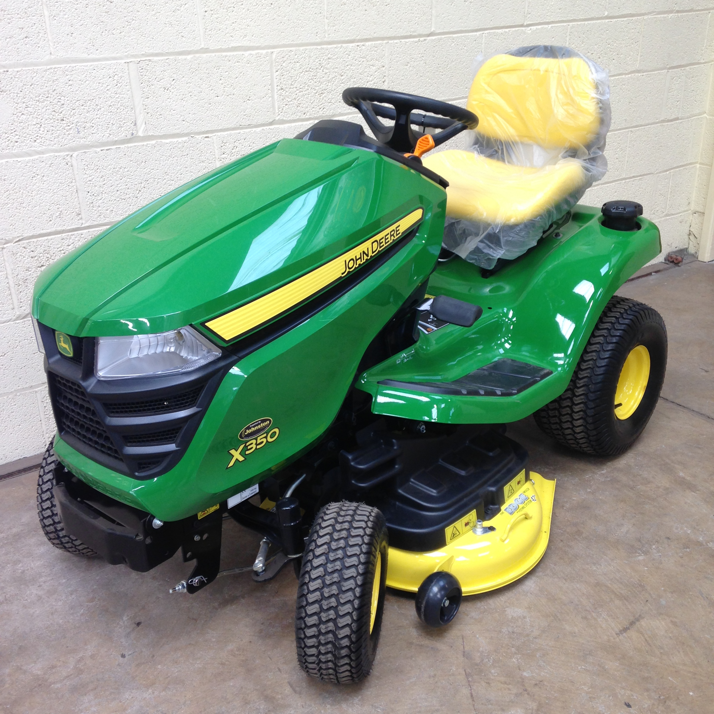 JOHN DEERE X350 LAWN TRACTOR (NEW) For Sale