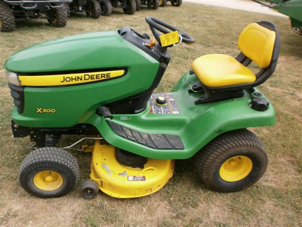 2007 John Deere X300 Lawn & Garden and Commercial Mowing ...
