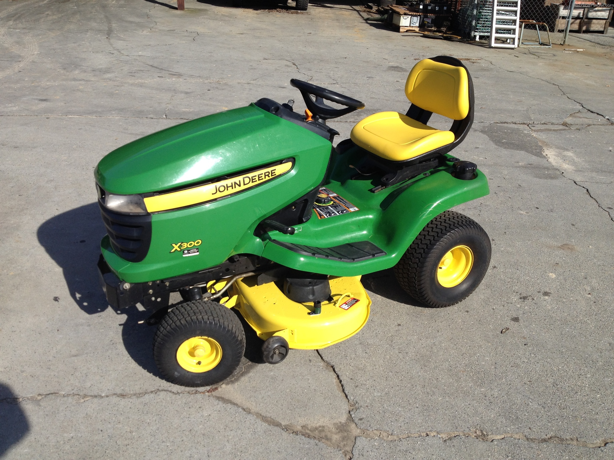 2009 John Deere X300 Lawn & Garden and Commercial Mowing ...