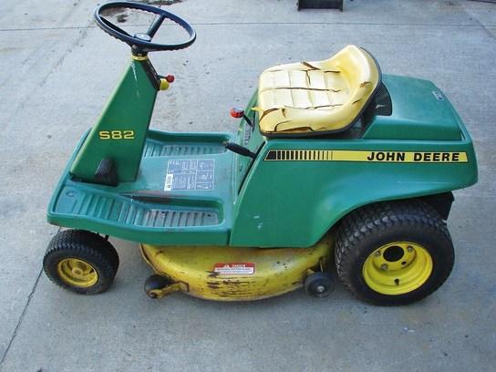 John Deere S82