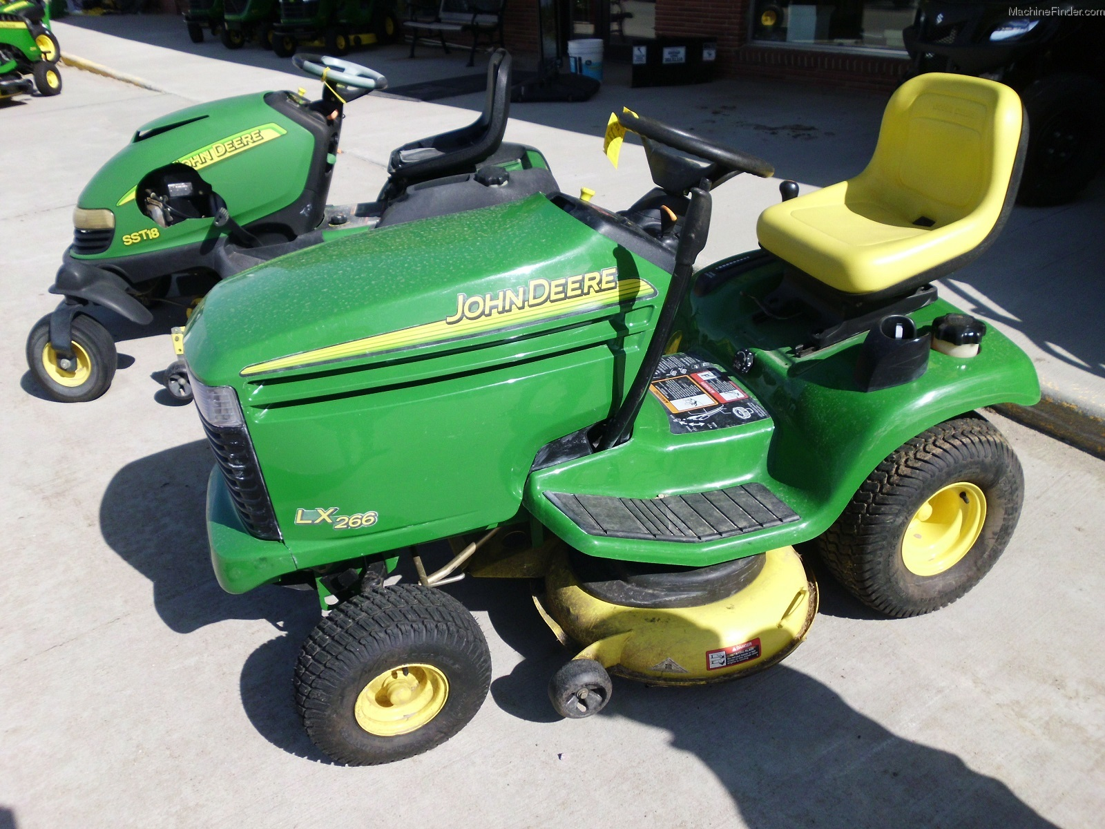 2003 John Deere LX266 Lawn & Garden and Commercial Mowing ...