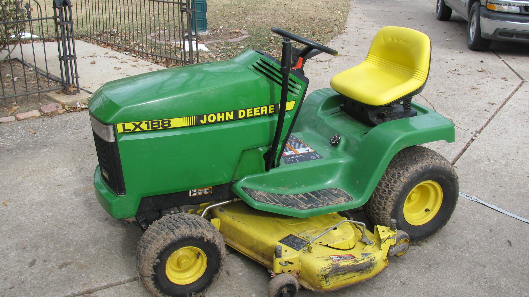 1994 John Deere LX188 Lawn & Garden and Commercial Mowing ...