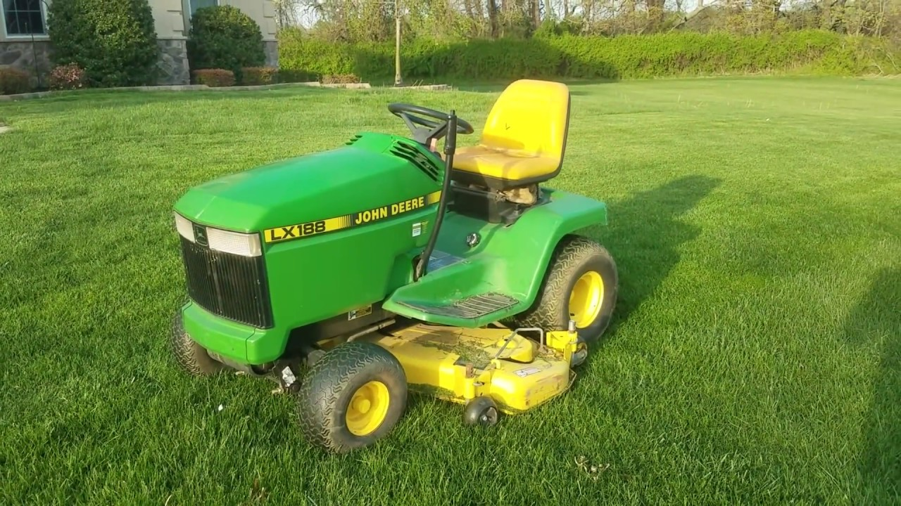 Mowing the Lawn With a John Deere LX188 - YouTube