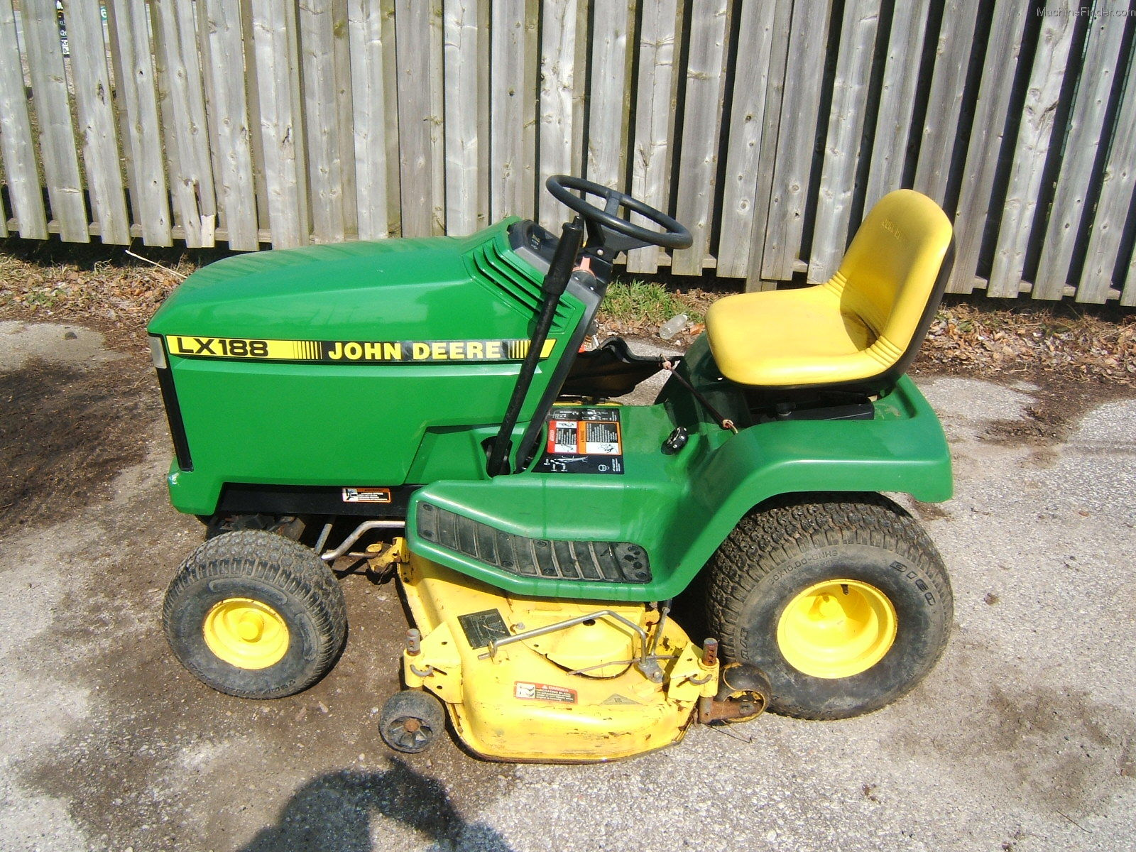 John Deere LX188 Lawn & Garden and Commercial Mowing ...