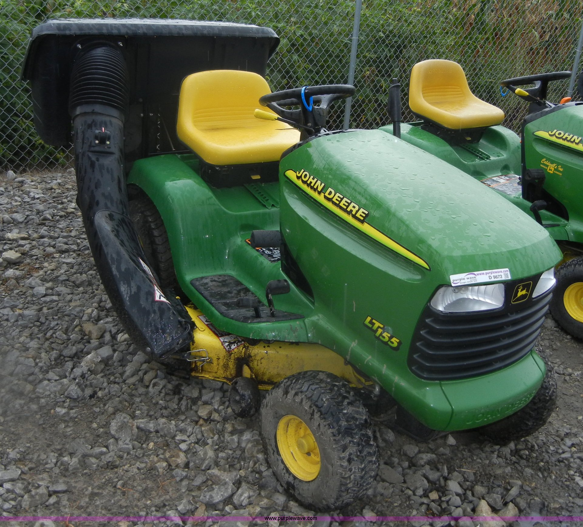 John Deere LT155 lawn tractor with rear bagger | Item ...