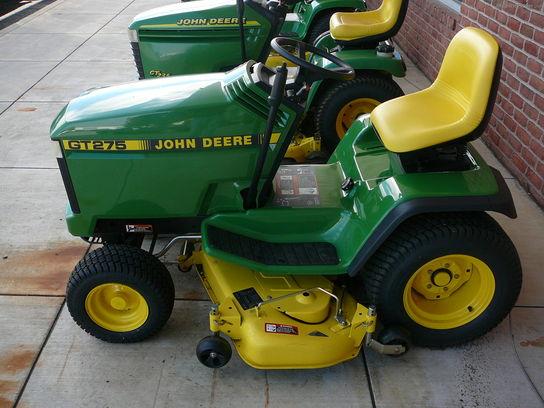 1998 John Deere GT275 Lawn & Garden and Commercial Mowing ...