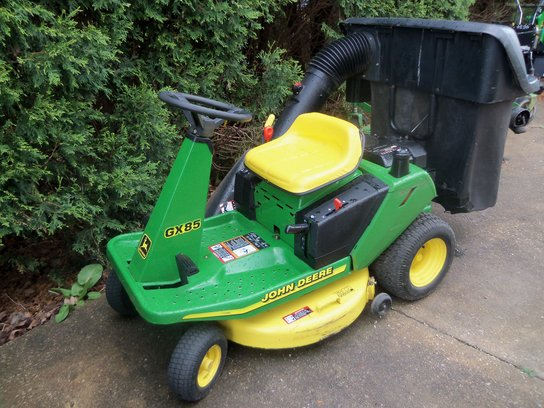 1998 John Deere GX85 Lawn & Garden and Commercial Mowing ...