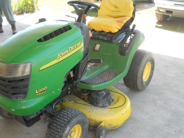 2008 John Deere L100 Lawn Mower For Sale in Lafayette ...
