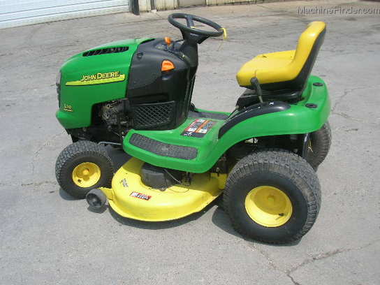 2004 John Deere L110 Lawn & Garden and Commercial Mowing ...