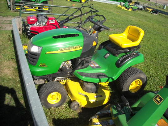 2005 John Deere L111 Lawn & Garden and Commercial Mowing ...