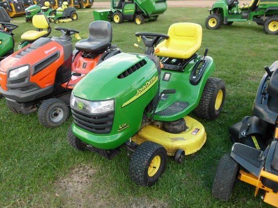 John Deere L111 Lawn & Garden and Commercial Mowing - John ...