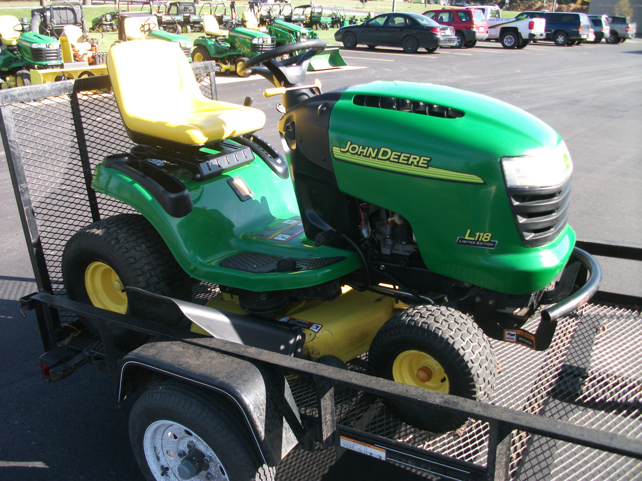2004 John Deere L118 Lawn & Garden and Commercial Mowing ...