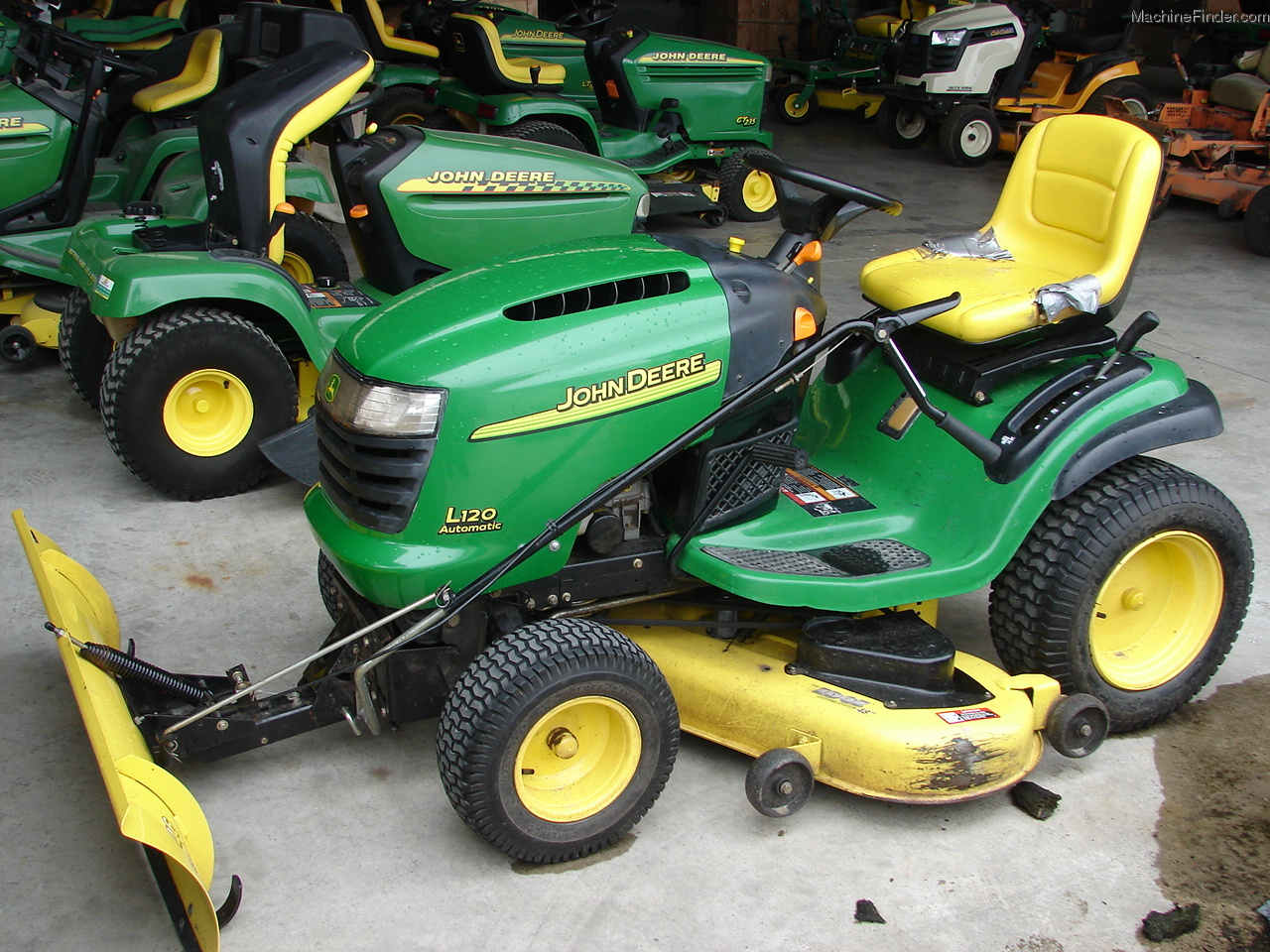 2003 John Deere L120 Lawn & Garden and Commercial Mowing ...