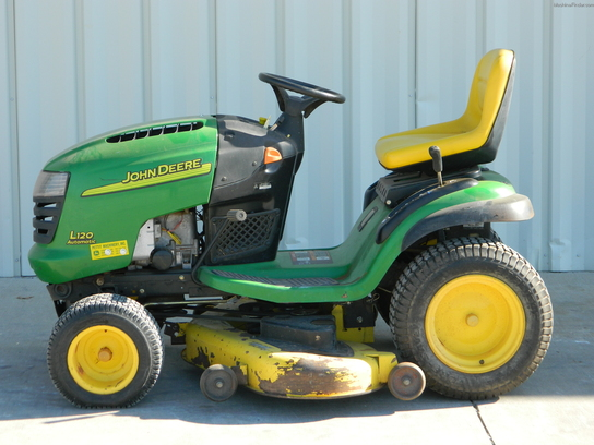 2004 John Deere L120 Lawn & Garden and Commercial Mowing ...