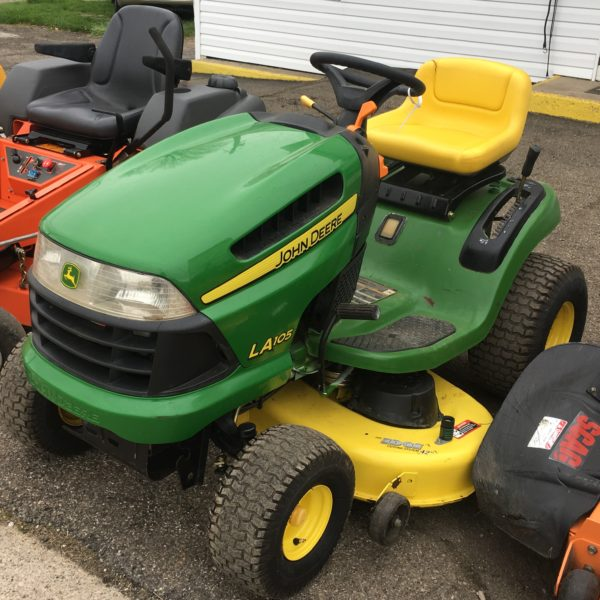 42in John Deere 19.5HP Briggs and Stratton Riding Mower ...