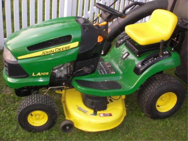John Deere LA105 Lawn Tractor with Double Bagger