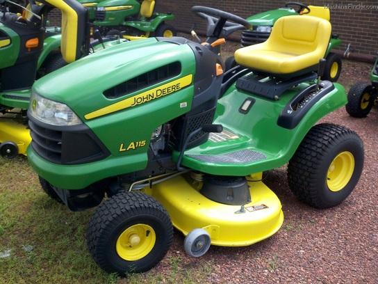 2011 John Deere LA115 Lawn & Garden and Commercial Mowing ...