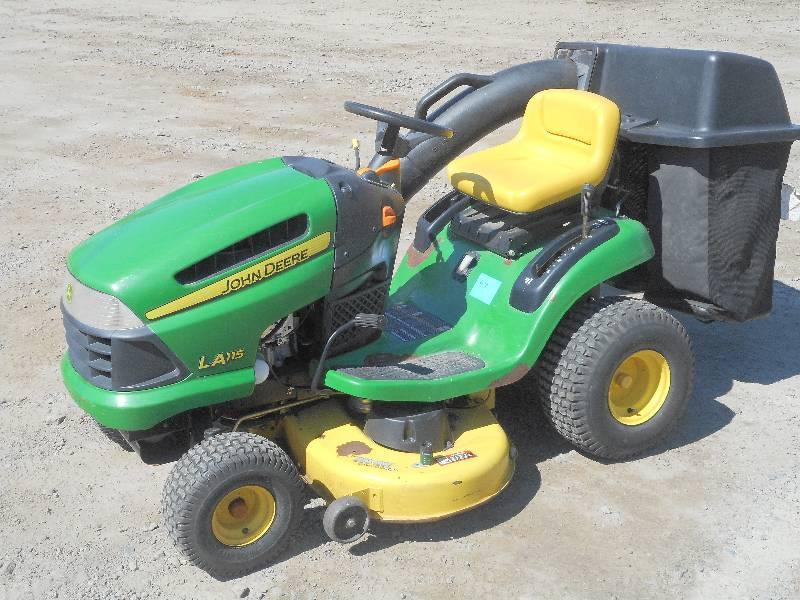 John Deere LA115 Lawn Tractor, 19.5... | LE May Lawn ...