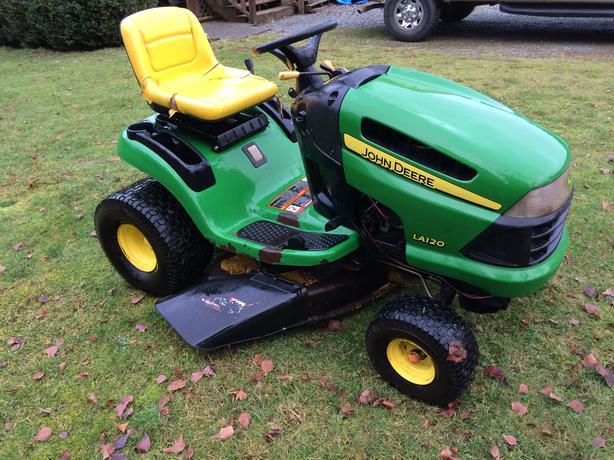 MUST SELL: John Deere LA120 Garden Tractor Central Nanaimo ...