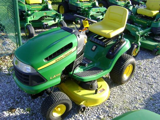 2009 John Deere LA125 Lawn & Garden and Commercial Mowing ...