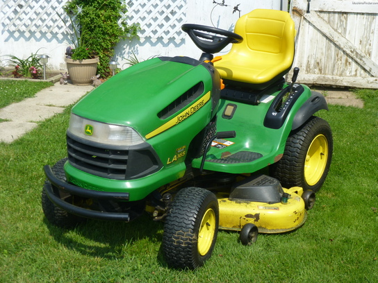 2010 John Deere LA165 Lawn & Garden and Commercial Mowing ...