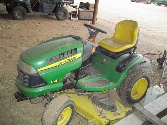 2009 John Deere LA175 Lawn & Garden and Commercial Mowing ...