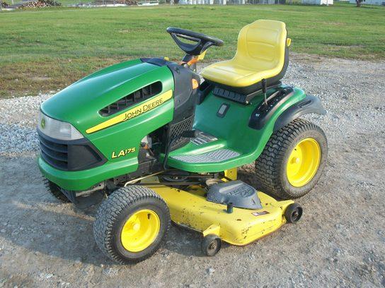 2010 John Deere LA175 Lawn & Garden and Commercial Mowing ...