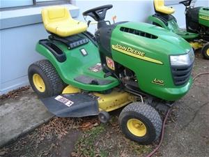 John Deere L110 ride on lawn tractor, 17 hp Kohler Command ...