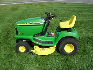 John Deere STX 12 5HP Riding Mower Lawn Tractor on PopScreen