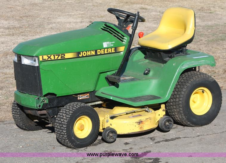 John Deere LX172 lawn mower | no-reserve auction on ...