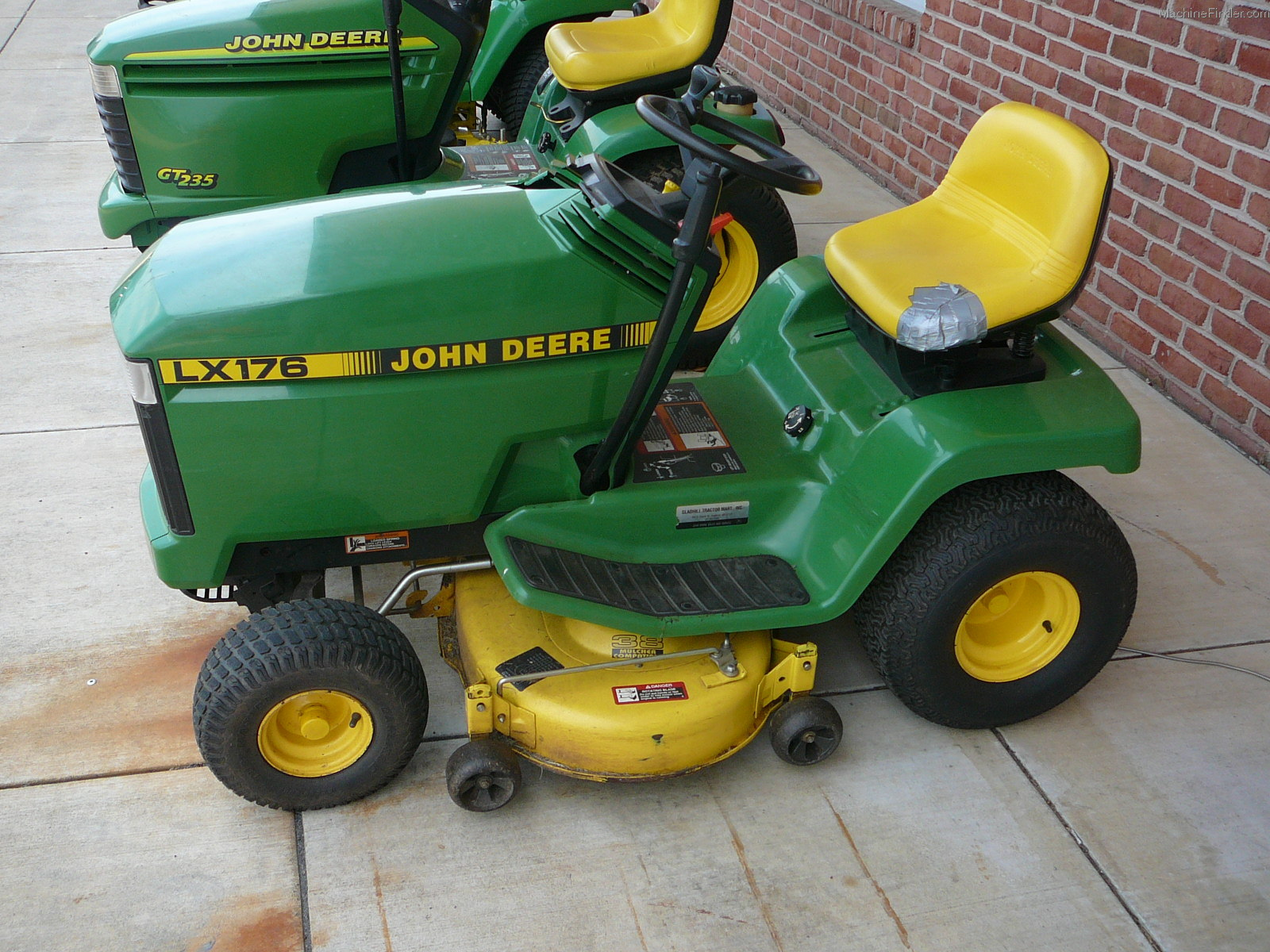 1995 John Deere LX176 Lawn & Garden and Commercial Mowing ...