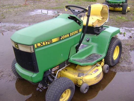 1998 John Deere LX176 Lawn & Garden and Commercial Mowing ...