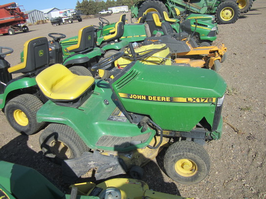 John Deere LX178 Lawn & Garden and Commercial Mowing ...