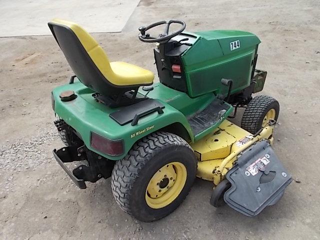 John Deere 455 Lawn Tractor, 22 HP ... | Owatonna ...
