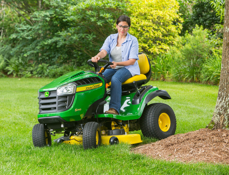 John Deere S240 Lawn Mower Tractor Price Specs Review Engine