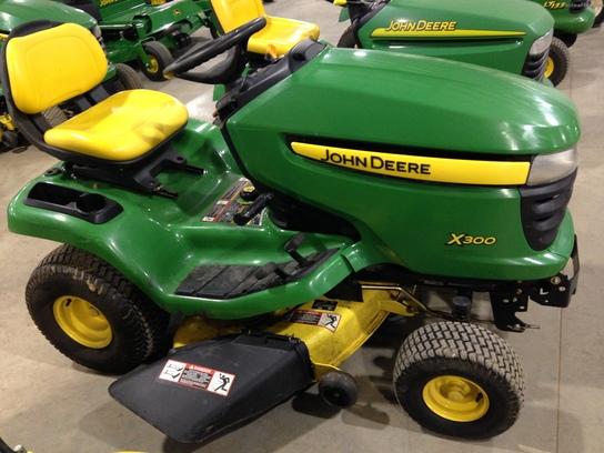 2007 John Deere X300 Lawn & Garden and Commercial Mowing ...