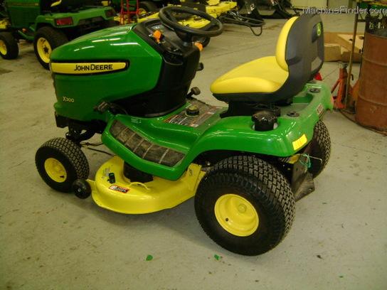 2009 John Deere X300 Lawn & Garden and Commercial Mowing ...