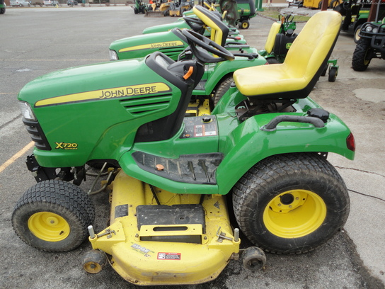 2008 John Deere X720 Lawn & Garden and Commercial Mowing ...